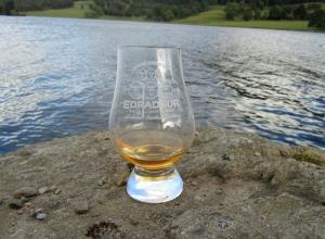 Whisky Glass Loch Tummel www.singlemaltfemale.co.uk